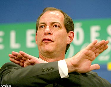 http://muitopelocontrario.files.wordpress.com/2009/10/ciro-gomes.jpg
